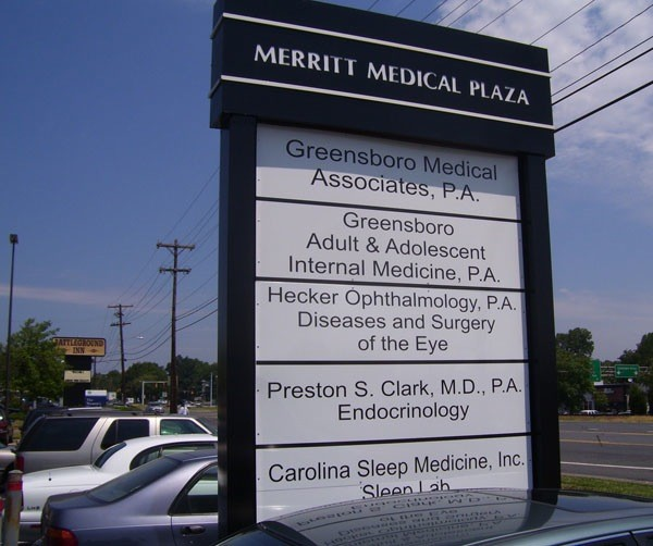 Medical Plaza Sign